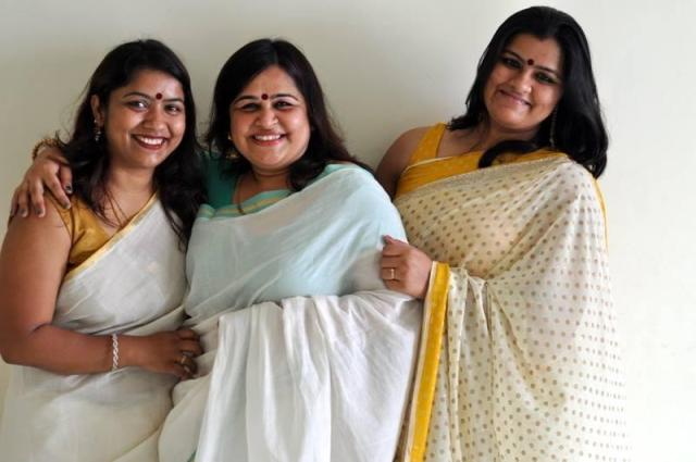 Swati aka Chatkhor, Monika aka Sin-a-mon and Me <3 Picture credit Monika Manchanda